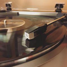 MOOD  Now playing: Half the City by @stpaulandthebrokenbones while editing photos #audiotechnica #vinyljunkie #nightslikethese #mood #vsco #vscocam #recordplayer #turntables #awesome #turntablism #instagood #atlp60 #instavinyl #180gram by rjsaldi http://ift.tt/1HNGVsC