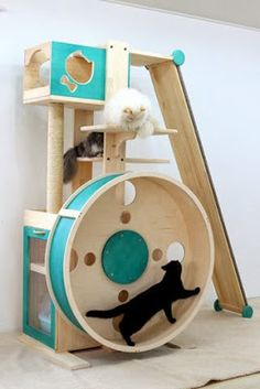 This is cool! I just know if I got one for my cats, they'd play w/ it for about 5 mins & then be bored w/ it.