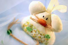 Guardadientes, el ratón valiente  ♥ ♥ ♥ Rosecat-Handmade ♥ ♥ ♥  en  http://es.dawanda.com/product/58529431-Guardadientes-el-raton-valiente