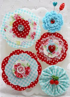 Adorable Fabric Posies These Flowers are The perfect Embellishment Retro Teal/Red