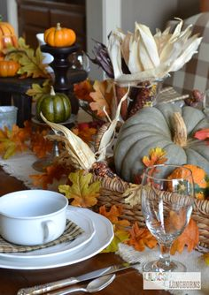 Nature Inspired Thanksgiving Tablescapes - 50 Nature Inspired & Rustic Table Setting Ideas for Thanksgiving Thanksgiving Tablescapes, Thanksgiving Decorations, Table Decorations, Thanksgiving Ideas, Centerpieces, Hosting Thanksgiving, Holiday Tables, Centerpiece Ideas, Holiday Fun