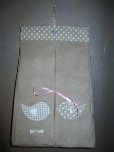 sac à couches, sur commande : Chambre d'enfant, de bébé par tilouelle Creation Couture, Couches, Baby Shoes, Projects To Try, Creations, Kids, Bag, Dresses, Baby Changer