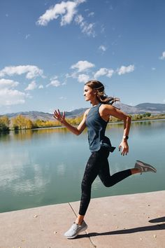Answering 10 frequently asked questions about my marathon training - covering everything from running shoes to nutrition and more!