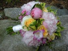 pink, white and yellow flowers bridal bouquet design by Julie Floyd of Creative Gardens, Lee, NH www.creativegardensnh.com