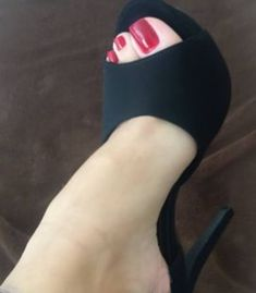 I Love My Shoes, Only Shoes, Beautiful High Heels, Gorgeous Feet, Brian Atwood Shoes, Pantyhose Heels, Sexy Sandals, Sexy Toes, Female Feet