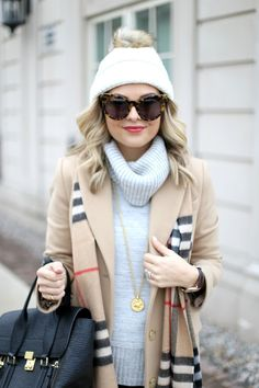 Burberry Scarf Styling. bag, сумки модные брендовые, bags lovers, http://bags-lovers.livejournal