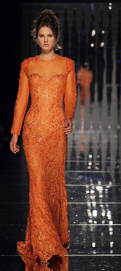Ermmmm....speechless, TANGERINE and the damask embroidery effect. I love it!