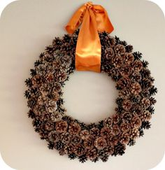 How to make pine cone wreath