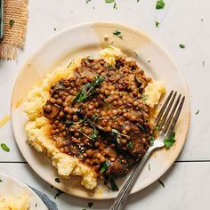 Lentil Mushroom Stew over Mashed Potatoes Mushroom Lentil Stew with Mashed Potatoes Veggie Recipes, Whole Food Recipes, Vegetarian Recipes, Healthy Recipes, Vegan Lentil Recipes, Vegetarian Sandwiches, Going Vegetarian, Vegetarian Breakfast, Vegetarian Dinners