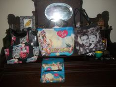 I love Lucy purse lo t3 awsome PICTURE  Purse Mint w wallet Lucy &Desi