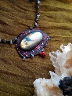No.Na / DONOMA- pohľad na slnko Native American, Pendant Necklace, Gemstones, Leather, Jewelry, Fashion, Moda, Jewlery, Gems