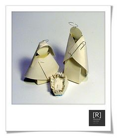 [R] ideias para reciclar: [R] presépio reciclado [2] Christmas Nativity, Christmas Crafts, Xmas, Origami And Kirigami, Christmas Traditions, Coloring Books, Creations, Paper Crafts, Nativity Scenes