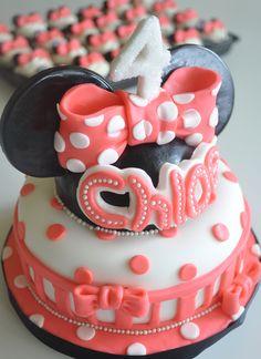 minnie mouse cake inspiration