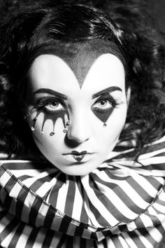 Clown b/w make-up // Photographer: The Illustrated Eye Collar: Lovechild Boudoir Hair: Misty Reed Makeup/Model: Sabrina von Sin Jester Makeup, Mime Makeup, Costume Makeup, Costume Halloween, Halloween Makeup, Halloween Photos, Harlequin Makeup, Harlequin Costume, Arte Punch