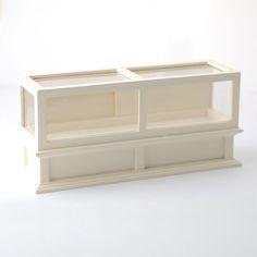 DF1138 - 1:12 Scale Cream Glass Front Counter