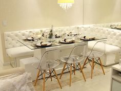 Somos especializados na fabricação de jogo de sala de jantar ou ambientes para restaurantes e lanchonetes estilo canto alemão, projetos personalizados.