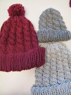 KÄSSÄÄ PALOKASSA: Helppo palmikkopipo-ohje Knitted Hats, Winter Hats, Knitting, Sewing, Crochet, Crafts, Diy, Beanies, Knits
