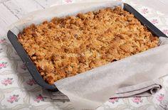 Appelkruimelkoek van het bakblik Dutch Recipes, Sweet Recipes, Baking Recipes, Love Food, A Food, Food And Drink, Sweet Pie, Healthy Crockpot Recipes, Pie Dessert