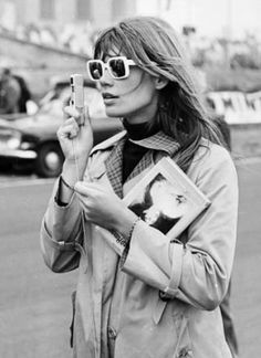 Jane Birkin takes the streets of Pairs #MKTrans