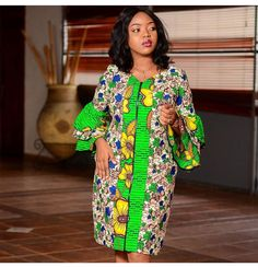 Ankara styles are just like any other clothing styles you know. But the difference between ankara and other clothing styles is Ankara. These ankara styles are new and are also lovely. Short African Dresses, Latest African Fashion Dresses, African Print Dresses, African Print Fashion, Ankara Short Gown Styles, Short Gowns, Ankara Styles For Women, Dress Styles, Ankara Stil