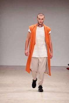 Ricardo Dourado Spring/Summer 2013 - The Ricardo Dourado Spring/Summer 2013 collection makes its debut at Moda Lisboa fashion week. Entitled 'West meets East,' this stunnin...