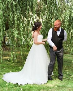 """First look vibes 😍 I love that I get to spend my ""work"" days with madly in love couples. ❣️ • • • • #wedding #weddingphotography #bride #bridalshoot #beauty #simple #naturallight #naturallightphotography #photooftheday #photography #portraits #portraitphotography #weddingseason #summerwedding #dirtybootsandmessyhair #pnwedding #radlovestories #pnw #pnwphotography #oregonweddingphotography #oregonbride #oregonbridemag #theknot"" by @kgilgan_photography. #eventplanner #weddingdesign #невеста…"