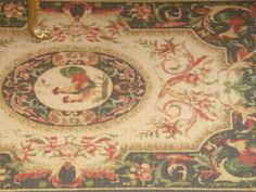 I print all my rugs in previous old fabric,  adding two more coats of fabric by heating sistem.  My carpets are diferent from the rest of the