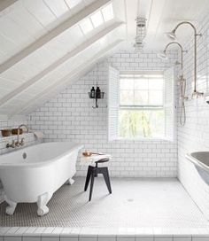 I love this open shower with a drain in  the floor !!