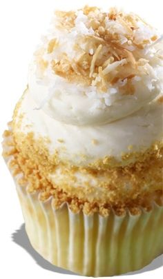 #KatieSheaDesign ♡❤ ❥ ▶ Coconut cream pie cupcake