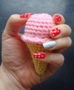 Free mini ice cream cone crochet pattern
