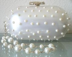 CHANEL PEARLS LIMITED EDITION 2007 BRACELET EVENING BAG @}-,-;--