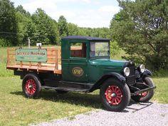 cars and trucks Vintage Pickup Trucks, Antique Trucks, Vintage Tractors, Classic Chevy Trucks, Antique Cars, Classic Gmc, Chevrolet Trucks, Gmc Trucks, Station Wagon