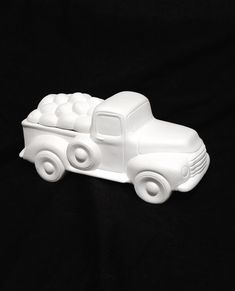 CERAMIC BISQUE OLD PICKUP TRUCK  W// VALENTINE HEARTS BEAR INSERT~ READY TO PAINT