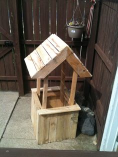 Made out of 1 1/2 pallets. Idea sent by Jeff Miller !