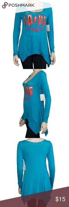"New Belle du Jour Blue Love Hopeless Tunic Tee B43 New Belle du Jour Blue Love Hopeless Tunic Tee B43. 	Blue Pullover Features: 	Scoopneck, Stretchy material, ""Love hopeless romantic since 1989"" on front, Asymmetrical hemline Pockets: 	None Material: 	96% Rayon, 4% Spandex Cleaning: 	Machine Wash Belle Du Jour Tops"
