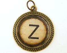 Colgante de la letra Z - joyería inicial personalizado resina alfabeto encanto círculo colgante vieja máquina de escribir llave
