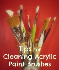 Paintbrushes are a precious tool for acrylic painters: it's very important to keep your brushes' clean. Step-by-step method to clean art brushes.