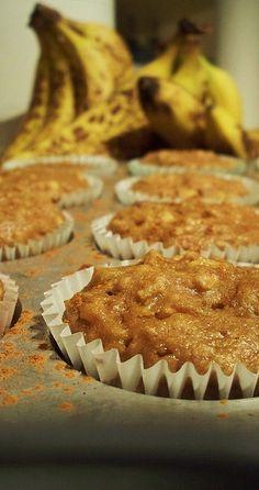 Heathy Banana Apple Muffins – when life throws you bananas « 17 and Baking