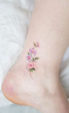 best small tattoos ever - game of spoons . - Brenda O. - 60 best little tattoos ever – Game of Spoons – best small tattoos ever - game of spoons . - Brenda O. - 60 best little tattoos ever – Game of Spoons – - minimalist flower tattoos according to. Tiny Tattoos For Girls, Small Flower Tattoos, Cool Small Tattoos, Little Tattoos, Flower Tattoo Designs, Tattoo Girls, Pretty Tattoos, Mini Tattoos, Beautiful Tattoos