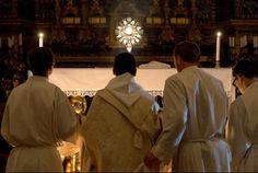 """""""Un año de fuego"""" es el nombre de esta iniciativa que animan varios movimientos y asociaciones laicales romanos. Las jornadas de adoración ocurrirán todas ..."""