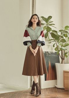 Long Skirt Fashion, Long Skirt Outfits, Modest Fashion, Fashion Dresses, Cute Outfits, Long Skirt Style, Fall Outfits, Korean Fashion Trends, Korean Street Fashion