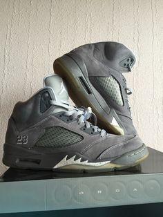 wholesale dealer c36ee f65df Nike air Jordan 5 Wolf grey Parfait état. Portée quelques fois Taille  9us 42,5 Avec boite.  nike  kicks  jordan