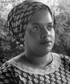 Varnette Honeywood September 12,2010  Varnette Honeywood passed away at age 59. An artist whose paintings hung on the walls of the set of The Cosby Show and whose colorful images depicted black family life.