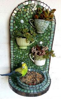 3 ways to make a creative DIY bird feeder/planter 3 ways to make a creative DIY bird feeder/planter The post 3 ways to make a creative DIY bird feeder/planter appeared first on Look. Mosaic Birds, Mosaic Wall, Mosaic Glass, Stained Glass, Mosaic Mirrors, Mosaic Birdbath, Mosaic Pots, Pebble Mosaic, Glass Art
