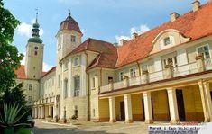 Olesnica Palace - Poland / Oleśnica Mała , Pałac z 1706 r. Poland Travel, Castle House, Manor Houses, Chateaus, The Beautiful Country, Krakow, Malaga, Palaces, Homeland