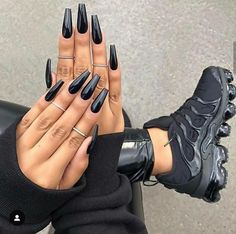 Best Coffin Long Nails With Metallic Black Polish - Black Acrylic Nails Long Black Nails, Black Coffin Nails, Black Acrylic Nails, Long Nails, Metallic Nails, Neutral Nails, Cute Black Nails, Matte White Nails, Nail Black