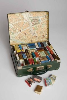 Erin Ciulla, Canada Phase I Suitcase containing miniature books with mixed media, found materials, and handmade paper. x x cm 2005 Artists' Books / Livre d'artiste Mini Things, Art Things, Old Books, Children's Books, Book Binding, Book Nooks, Book Making, Altered Books, Altered Book Art