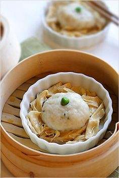 Fish Ball Recipe (Steamed Fish Balls with Bean Curd Sticks) - Try these for a different twist on the pork bun. #seafood #bun #dimsum