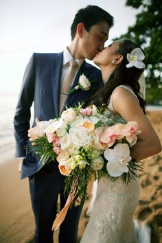 Kaua'i Just Married Romance - lace wedding dress + beautiful bridal bouquet - Anna Kim Photography