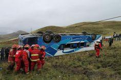 AREQUIPA. Accidente de tránsito de bus empresa Julsa deja 12 muertos http://hbanoticias.com/8812